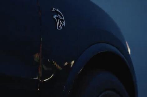 Dodge показал на видео экстремальный кроссовер Durango SRT Hellcat
