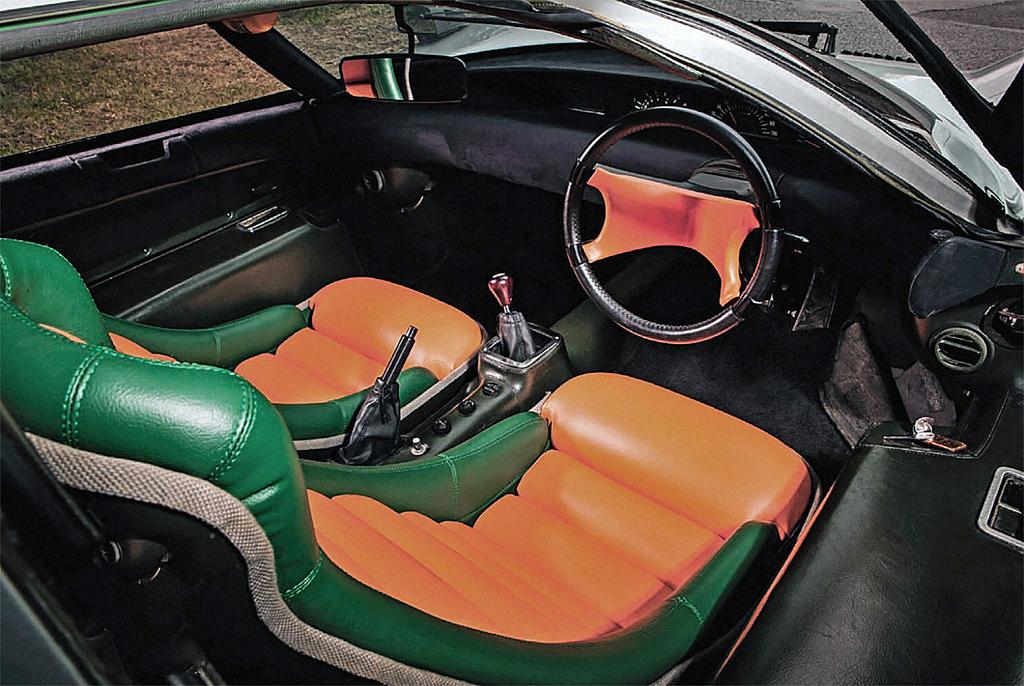 Интерьер Mazda RX500 Concept