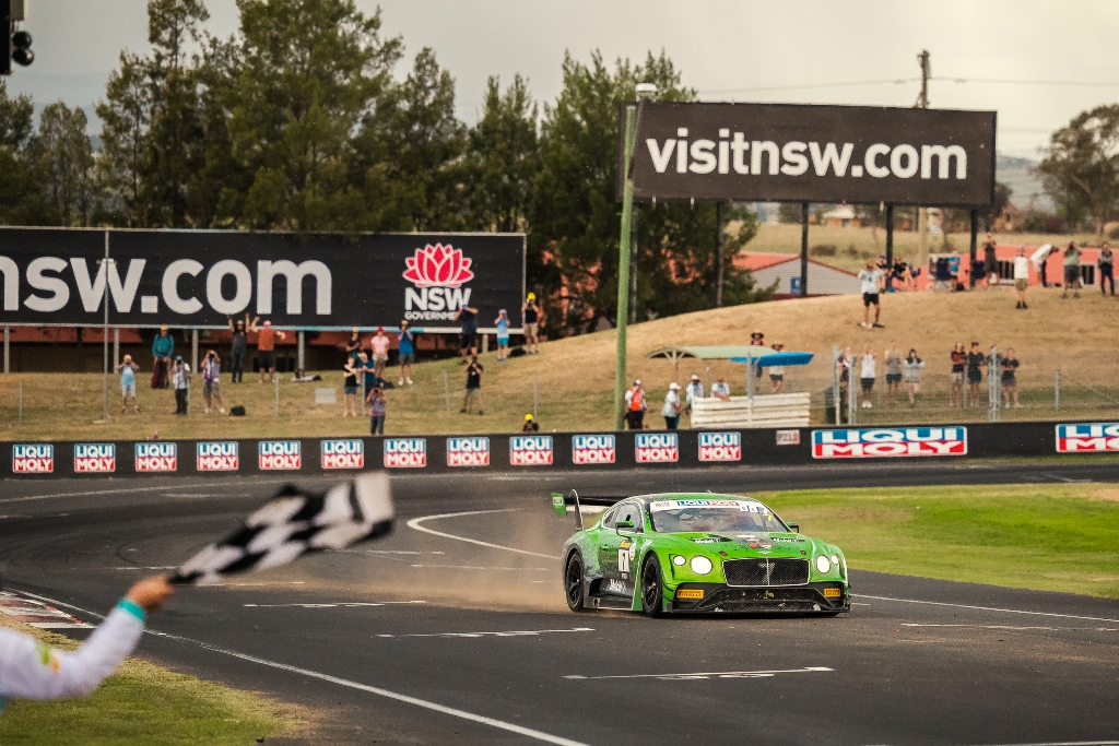 The Continental GT3 crossing the line