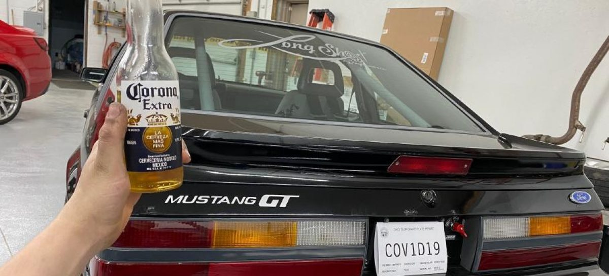 Американец сделал себе автомобильные номера с названием коронавируса