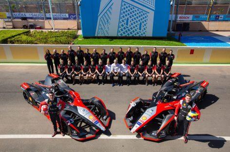 Гонщики команды Nissan e.dams финишировали в первой десятке на этапе Формула Е в Марракеше