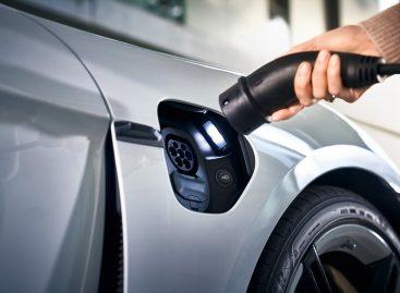 Porsche инвестирует в создание глобальной сети зарядки электромобилей