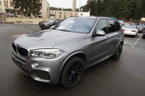 Конфискат продает BMW X5 с измененным VIN и в розыске Интерпола