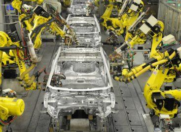 Завод Hyundai в России приостанавливает производство