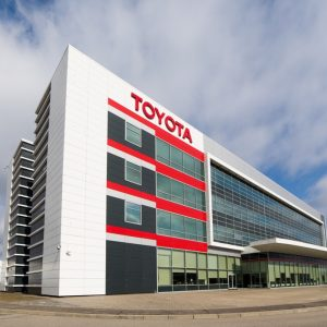 Toyota объявляет о программе поддержки клиентов в условиях COVID-19