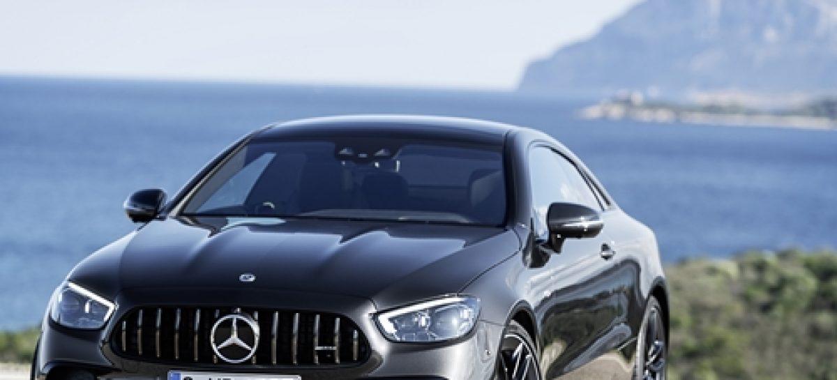 Mercedes представил новинки: купе и кабриолет E 53 4MATIC+
