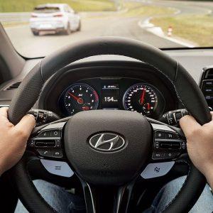 Программа Hyundai Driving Experience - уникальная возможность для автолюбителей улучшить навыки вождения