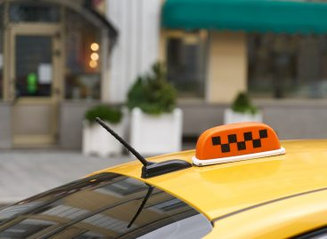 Комитет рекомендовал Госдуме отклонить законопроект о такси