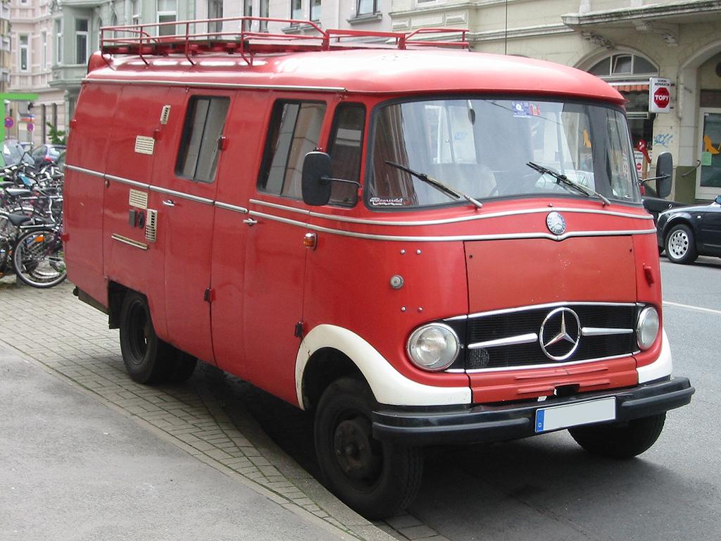 Mercedes L 319