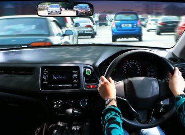 С 1 июля в России вводятся ограничения на ввоз машин с правым рулем