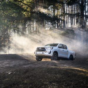 Toyota обновила рамные внедорожники Hilux и Fortuner