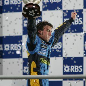 Фернандо Алонсо будет выступать за команду Renault DP World F1 Team с 2021 года