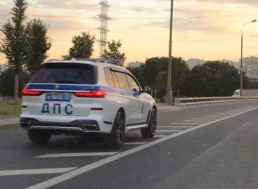 В автопарке московской ГИБДД появился внедорожник BMW X7