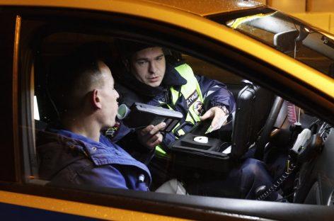 Власти вновь заговорили о необходимости повсеместного внедрения алкозамков в машинах