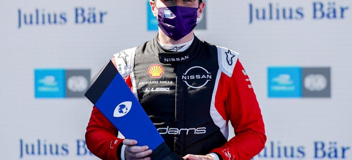 Команда Nissan e.dams завоевала первую победу в финальной сессии сезона Формулы Е в Берлине