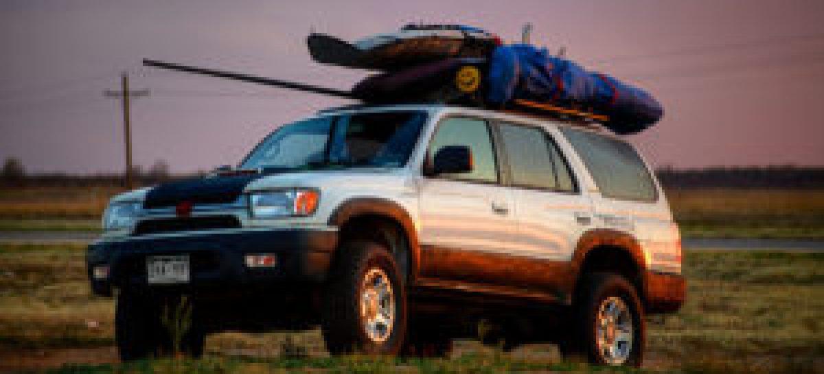 ГИБДД РФ начала взимать штрафы с водителей за багажники на крыше авто