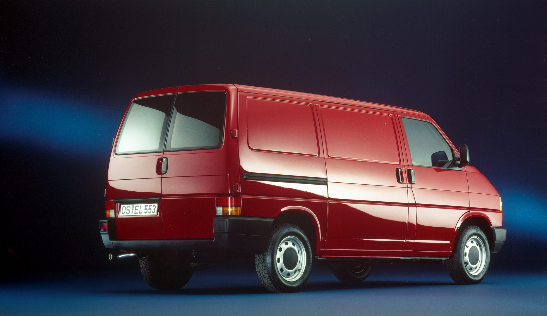 The T4 was the first Bulli that customers could order with rear wing doors.