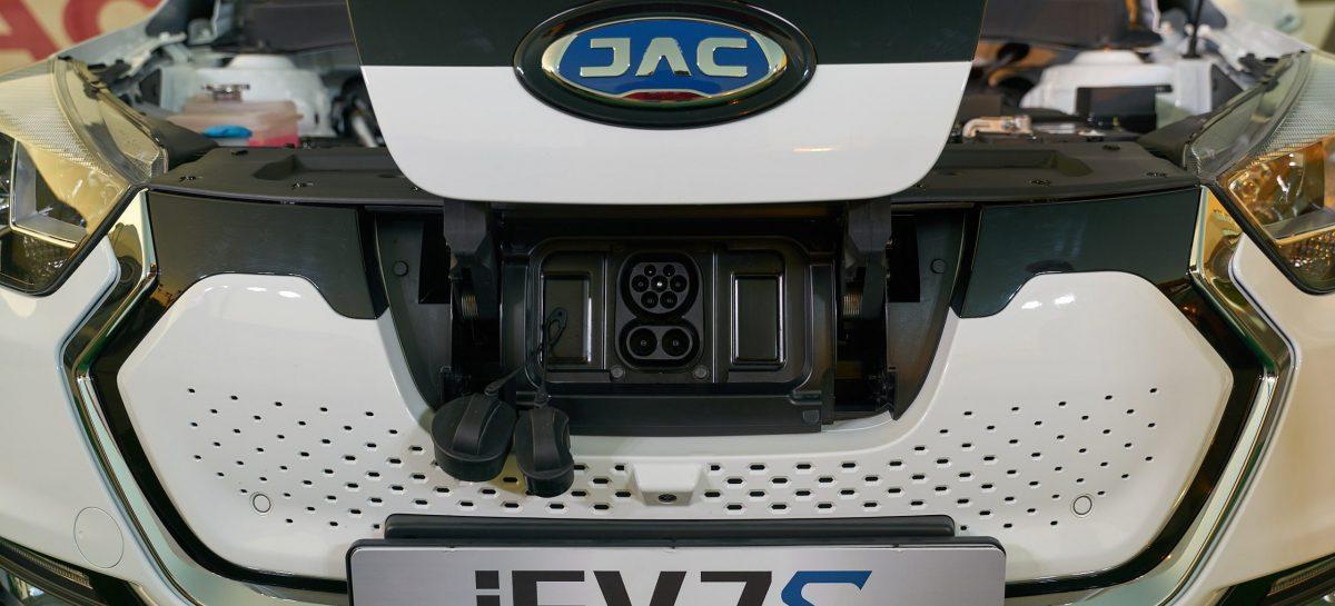 Первый китайский электромобиль представлен в России – JAC iEV7S