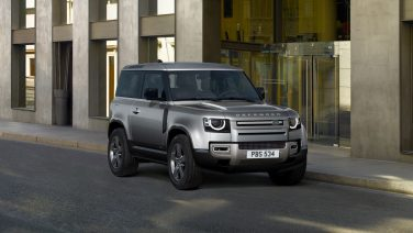 Новый шестицилиндровый дизельный двигатель и версия X-Dynamic для Land Rover Defender