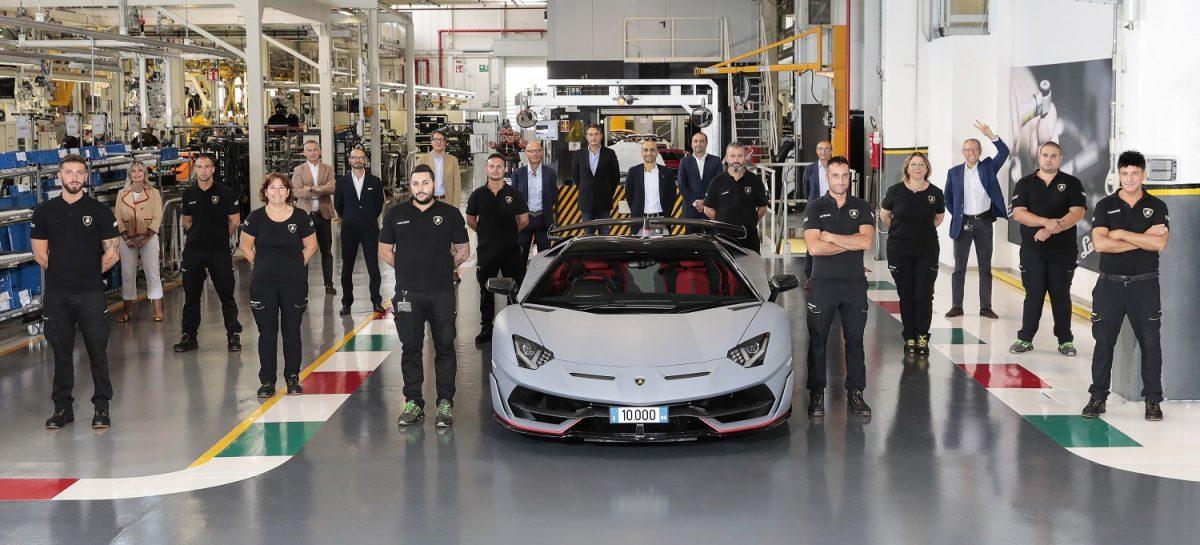 Новый рекорд: Lamborghini отмечает выпуск 10'000-го суперспорткара Aventador