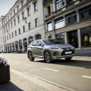 Объявлен старт приема заказов на Lexus RX Black Vision