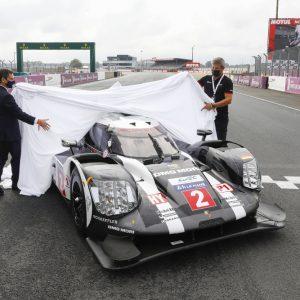 Porsche передает французскому автомобильному клубу ходовой макет 919 Hybrid