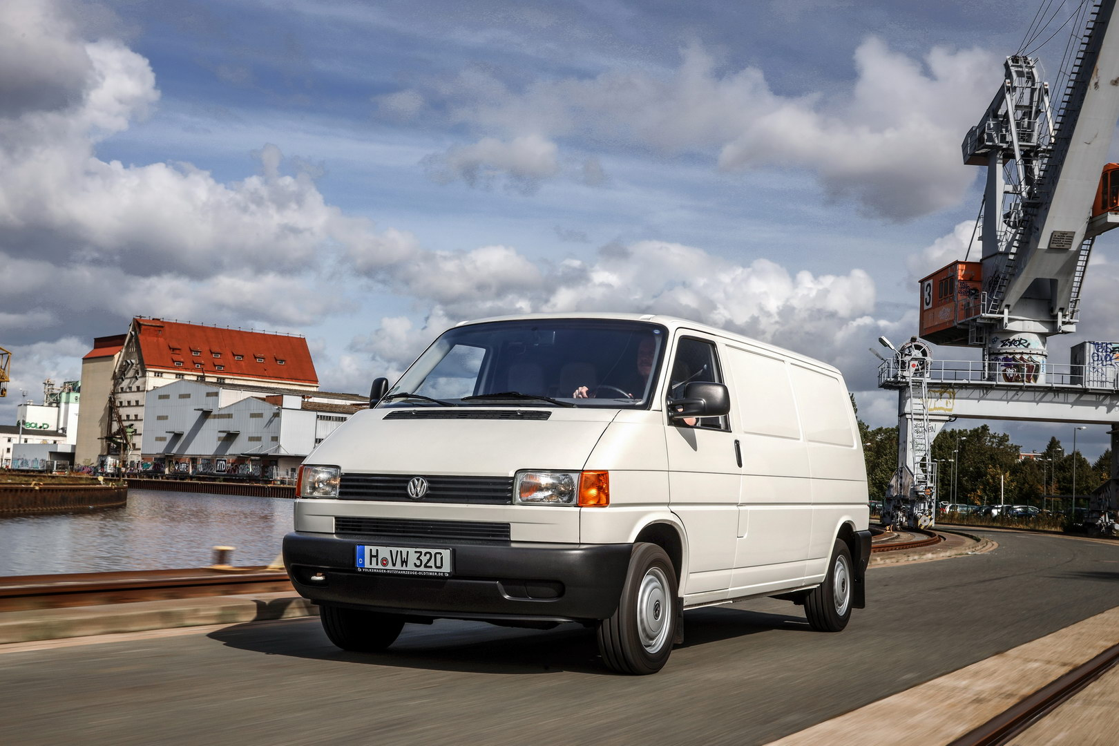 The T4 was also available with a long wheelbase.