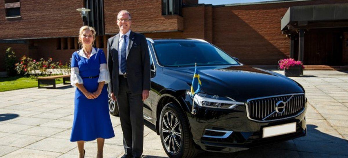 На пути к электрическому будущему: посольство Швеции остановило свой выбор на гибридной модели XC60 Recharge
