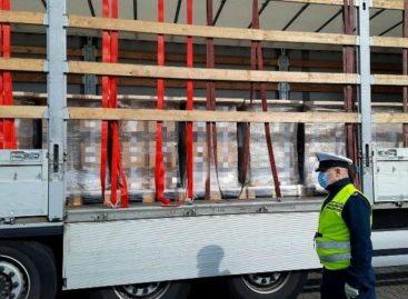 В Польше белорусскому дальнобойщику не дали продолжить движение из-за груза