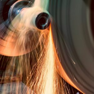 Прошли испытания смазочно-охлаждающей жидкости Лукойл для шлифования