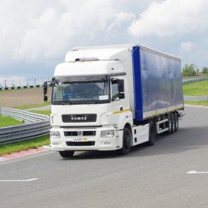 Рынок новых грузовых автомобилей в октябре: ТОП-10 марок и моделей