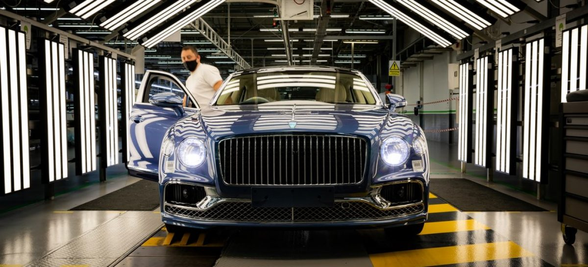 Производство нового Bentley Flying Spur V8 стартовало в Крю