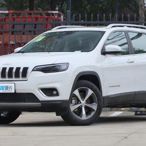 Jeep прекратил продажу кроссовера Cherokee в РФ
