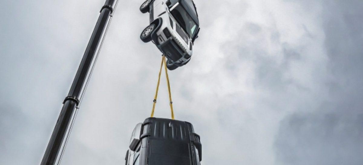 Land Rover Defender стал «Автомобилем года» по версии Top Gear