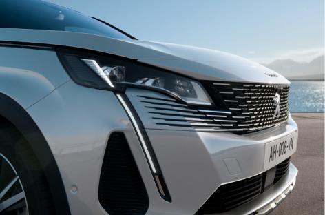 Старт приёма заказов на новые Peugeot 3008 и 5008