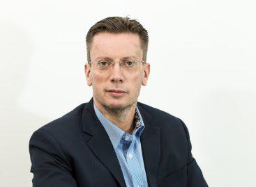Мерседес-Бенц РУС информирует о персональных изменениях в составе руководства