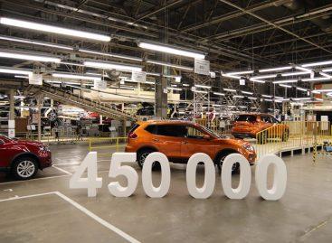 Завод Nissan в Санкт-Петербурге отмечает выпуск 450 000-го автомобиля