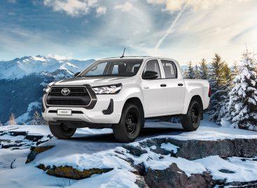 Тойота запустила продажи пикапа Hilux c бензиновым двигателем 2,7 литра