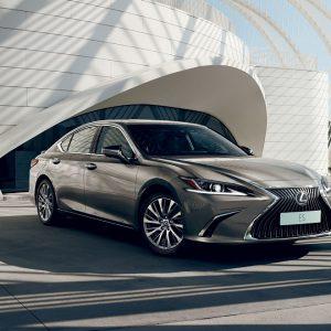 Lexus объявляет старт продаж бизнес-седана ES с комплексом Connected Services