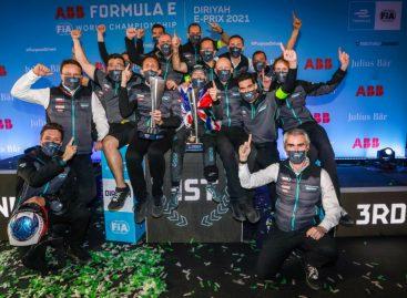 Первые победы Jaguar Racing на чемпионате мира Формулы Е