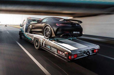 Mercedes-Benz Sprinter превратили в брутальный эвакуатор в стиле болидов Формулы-1