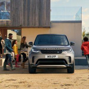 Land Rover провел глобальное исследование Project Discovery, доказывающее важность прочных семейных отношений и стремления к новым открытиям