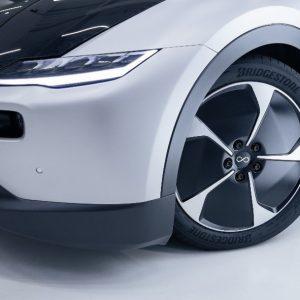 Bridgestone и Lightyear объединяют усилия для создания первого в мире электромобиля на солнечной энергии, способного преодолевать дальние расстояния