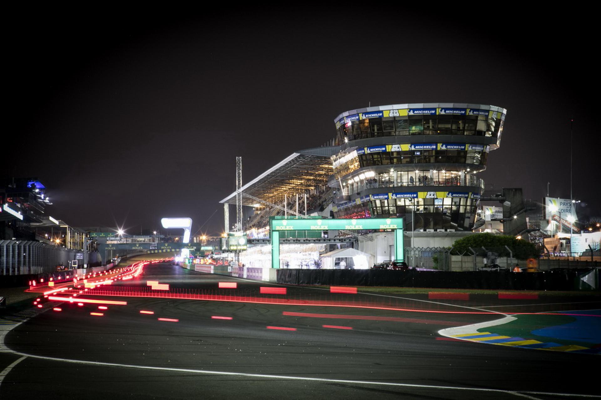 Porsche стали партнерами Multimatic_1