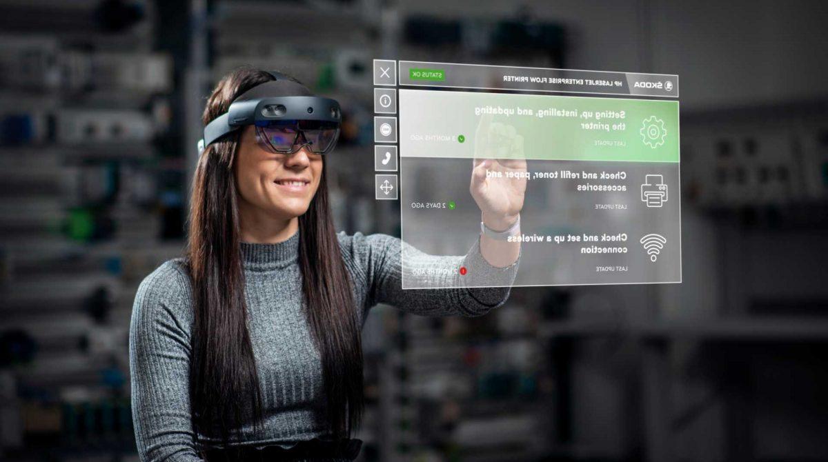 Škoda Auto тестирует очки дополненной реальности