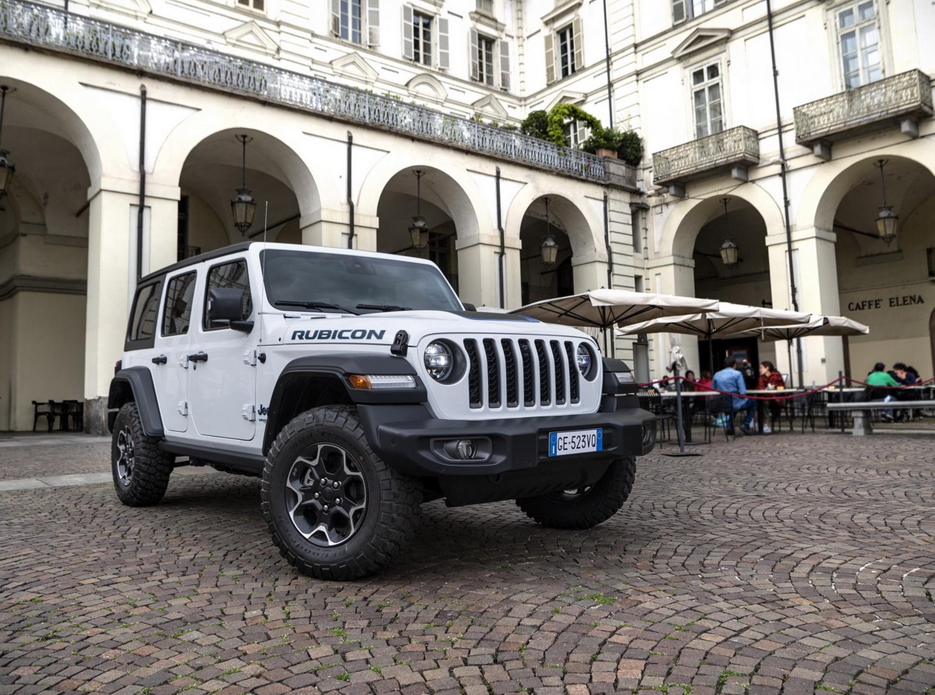 Электроприводная версия внедорожника — Jeep® Wrangler 4xe