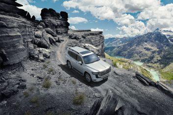 Официальные дилеры Тойота начинают продажи Toyota Land Cruiser 300