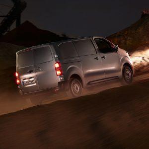 Opel Zafira Life и Opel Vivaro с подключаемым полным приводом. Старт приема заказов