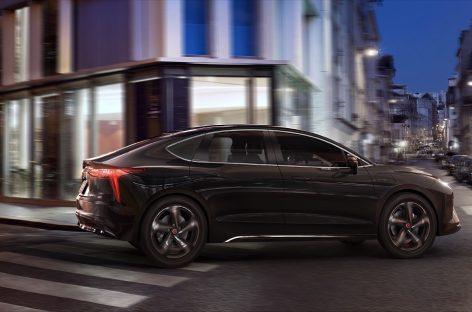 Mobilize Limo: новый электрический седан для такси и проката автомобилей