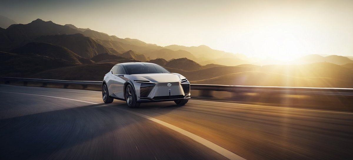 Дизайнеры создали виртуальный интерьер Lexus LF-Z Electrified